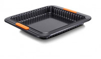 Le Creuset Le Creuset Square cake mold with removable base-20
