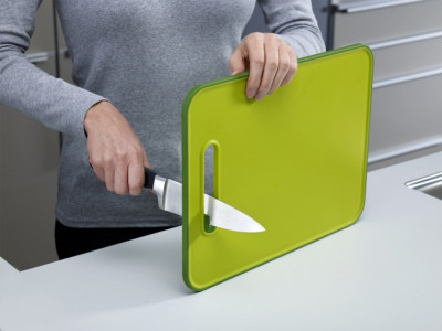 Non-slip chopping board with knife sharpener Small